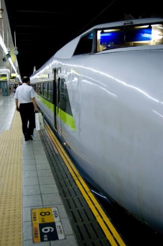 居眠り厳禁!新幹線の終点で降り過ごしたらどうなるの?