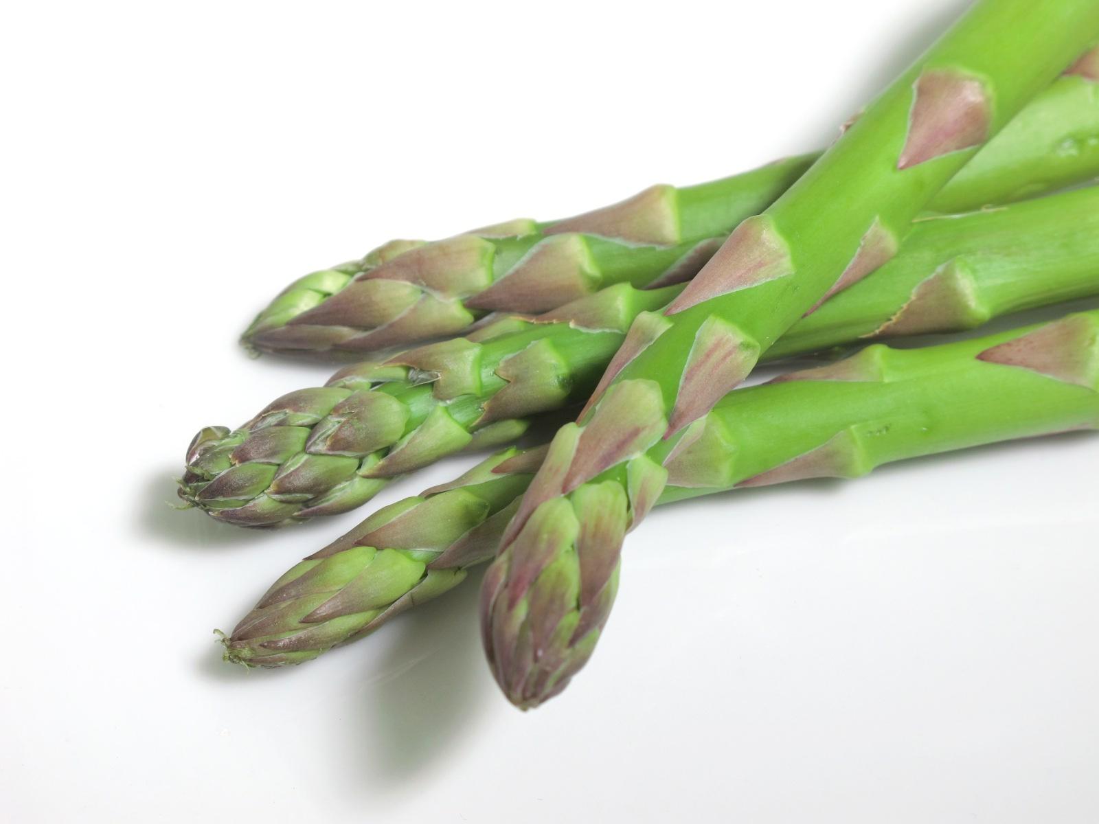 オスとメスがあるの知ってた?美味しいグリーンアスパラガスの簡単な見分け方