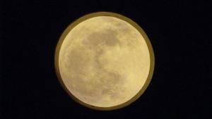 スーパームーンと普段の月との大きさの違い