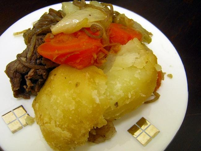 フライパンで作る美味しいホクホク肉じゃがの作り方