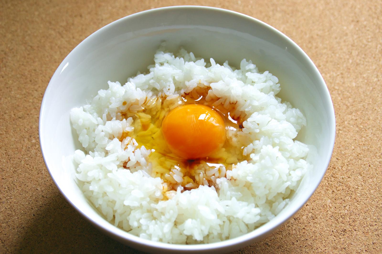 一工夫で大変身!フワフワ卵かけご飯の作り方