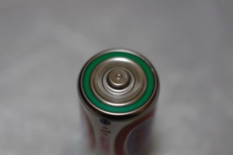 ずっと間違ってた!乾電池を冷蔵庫で保管すると長持ちするという都市伝説