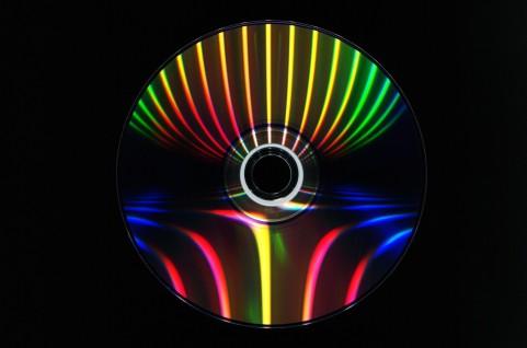 DVDを入れると自動で再生!Windows8・Windows7での自動再生の設定方法