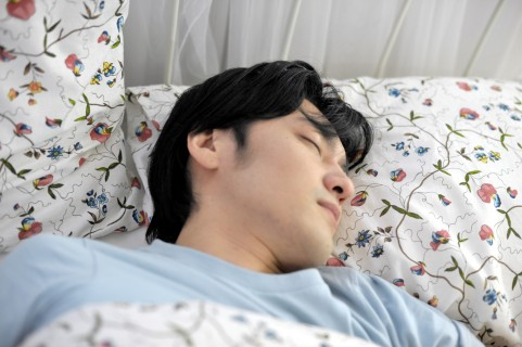 朝起きれない!ついつい二度寝しちゃう僕のすっきり目覚め法