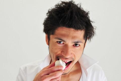 生でニンニクを食べると胃が痛くなったり下痢になったりする原因は?