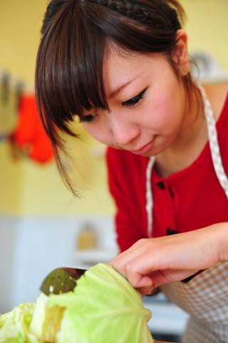 丸ごとキャベツを冷蔵庫で保存する賢い方法