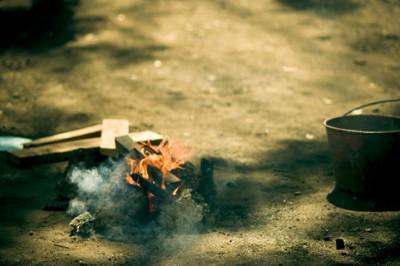 乾電池を使った火起こしの方法